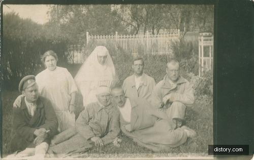 Портрет раненых солдат в госпитале в Российской империи