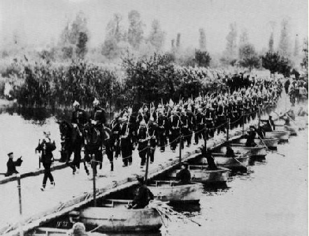 Оттомар Аншютц. Императорские маневры. понтонный мост. 1882-1883.