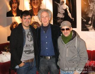Боб и организаторы выставки