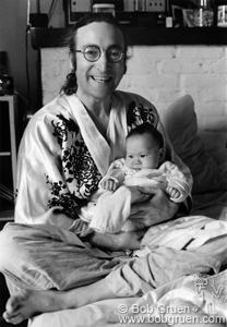 Джон и Шон Ленноны, 1975